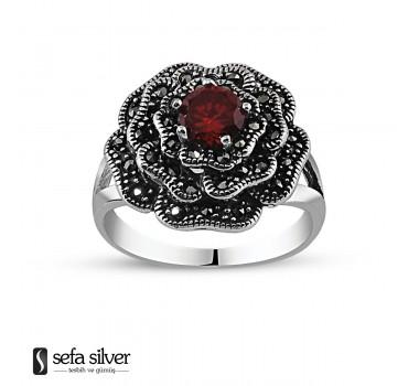 925 Ayar Gümüş Kırmızı Zirkon Taşlı Çiçek Yüzük